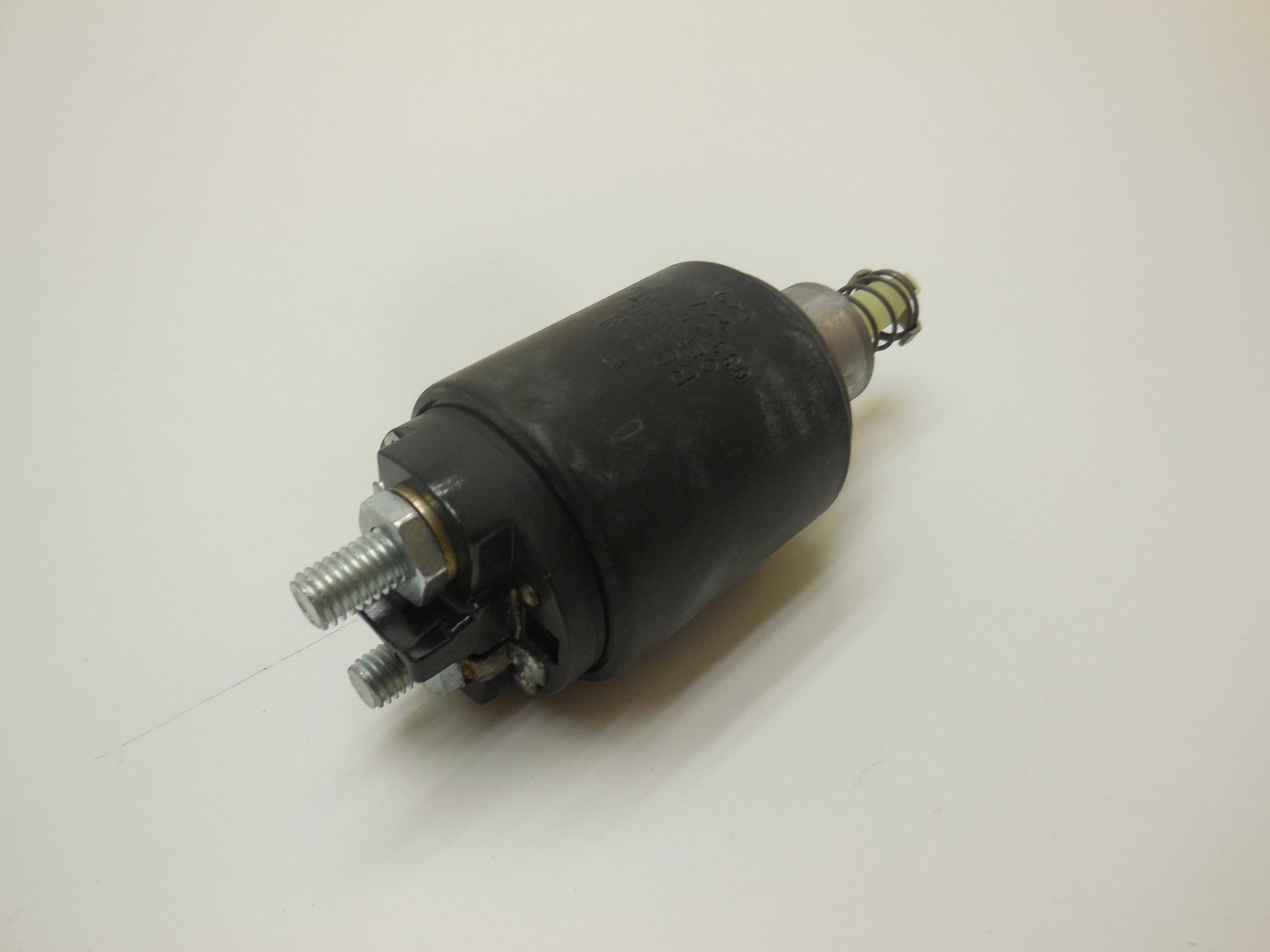 solenoid switch Mb nr: 000 152 43 10 Bosch nr: 0331402007 price: 350 Sek