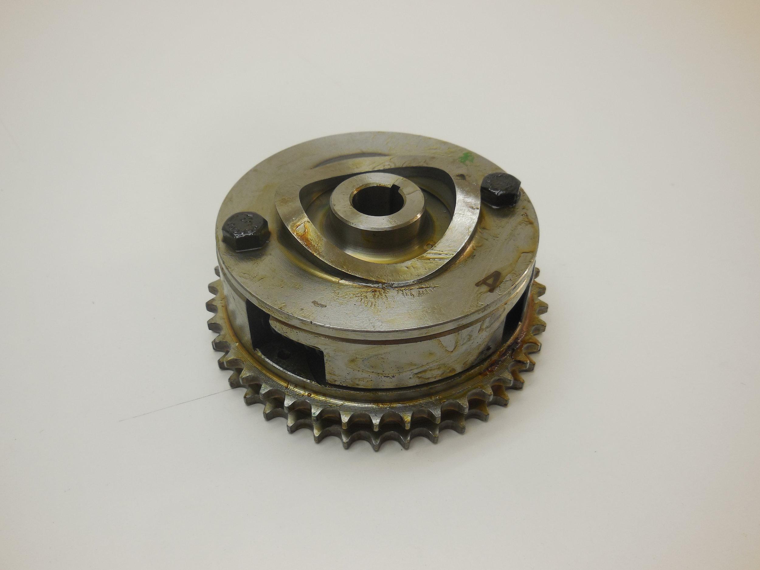 Injetion timing device Mb nr: 615 070 04 45   price: 4100 Sek