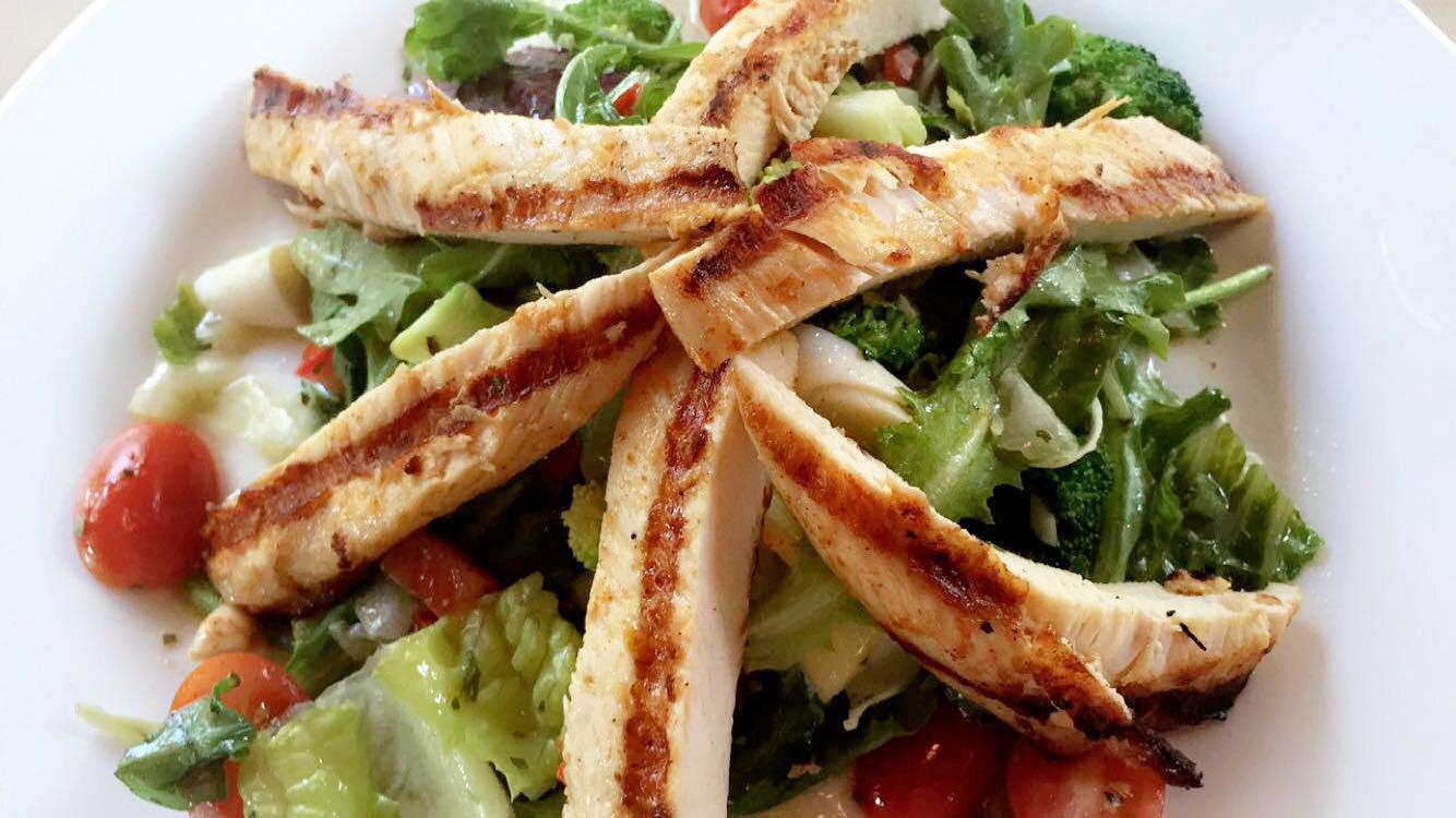 Pollo Salad 2.jpg
