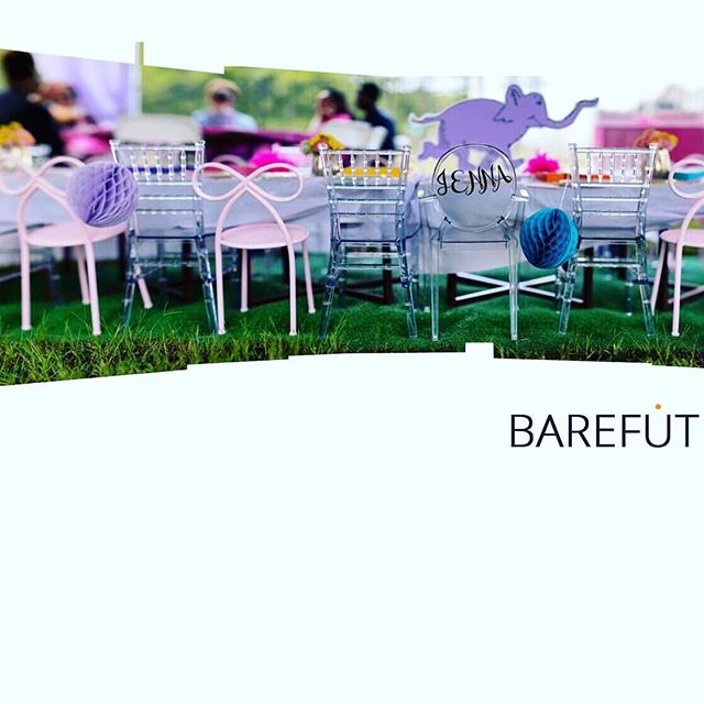 Delivered down to #EggHarborTownship for this super cute birthday celebration. Styled + Designed by @thekathrynhowardfactor 🎀Photographer @barefutrashad #bowchair #kidsparty #kidschairs #kidstable #petiteseats #petiteseat #njkidsparty #kidspartyrentals