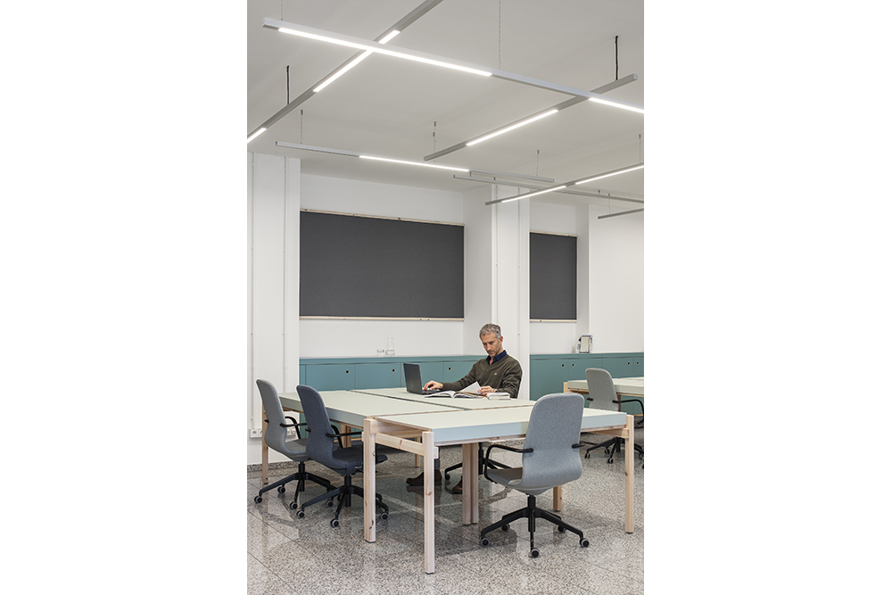 Studio-de-Schutter-Lighting-design-office-proveg_5.jpg