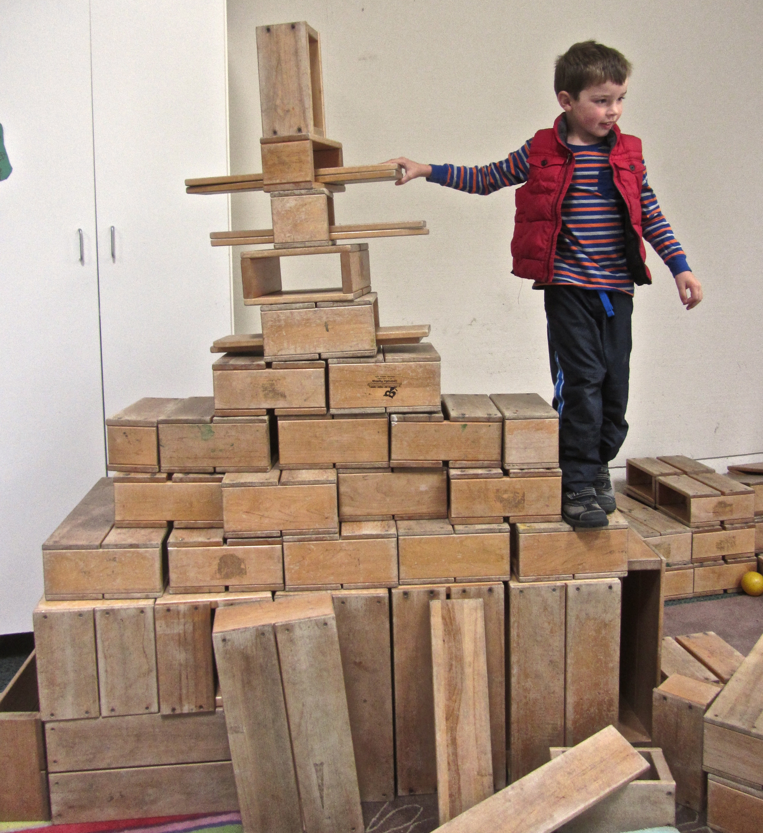 The large scale and weight of these blocks make them a great gross motor challenge and help increase spatial awareness.