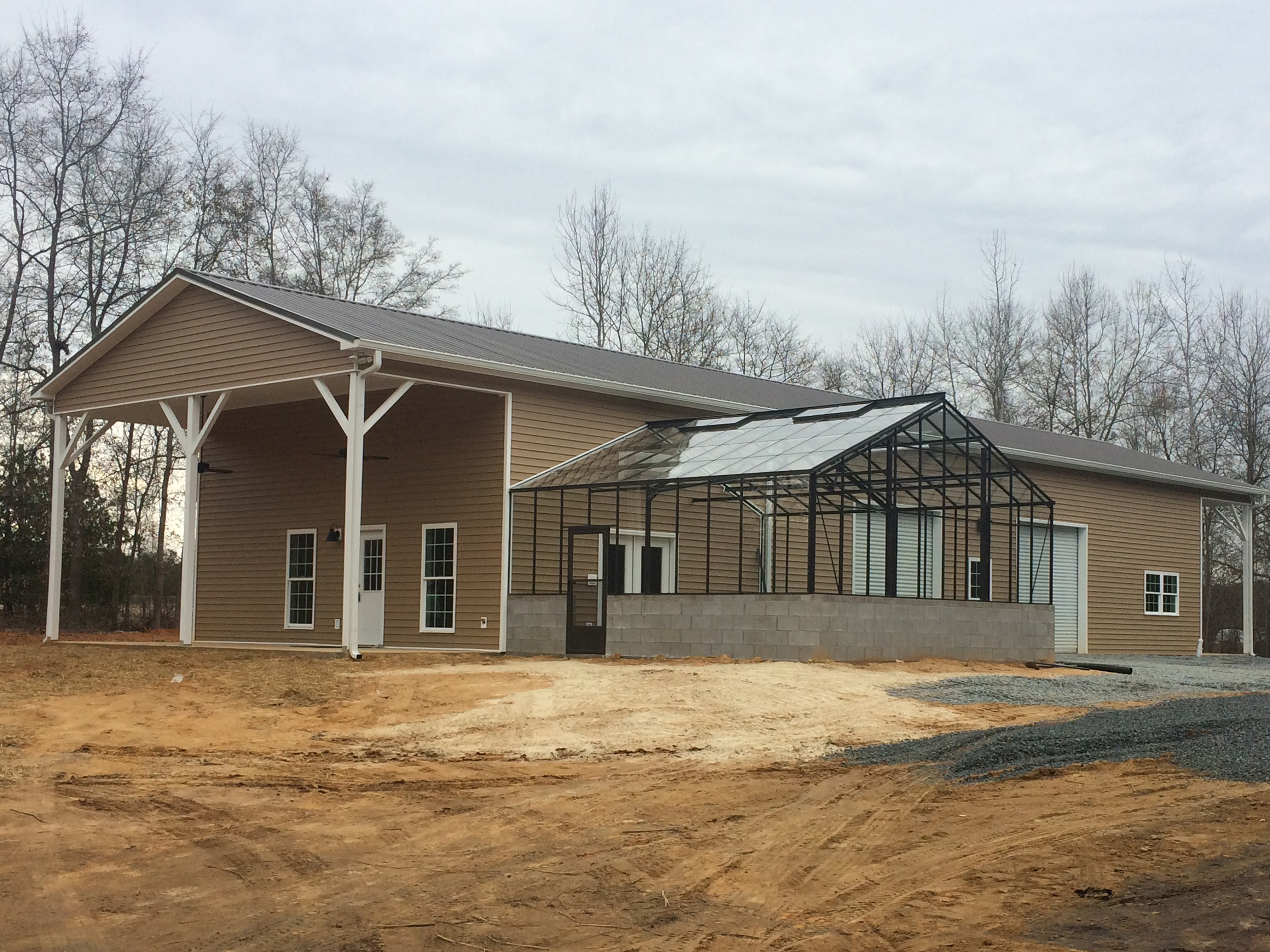 Thisis 3,400sf of pureworkhorse. Just about any project you can think of can be crafted here.