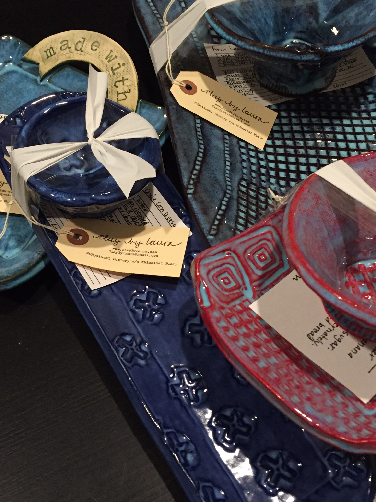 These Tray-n-Bowl sets and Message Plates are perfect for serving your family and friends throughout the upcoming holiday season. Click  here  to see the variety of sizes, colors and patterns currently available for sale.