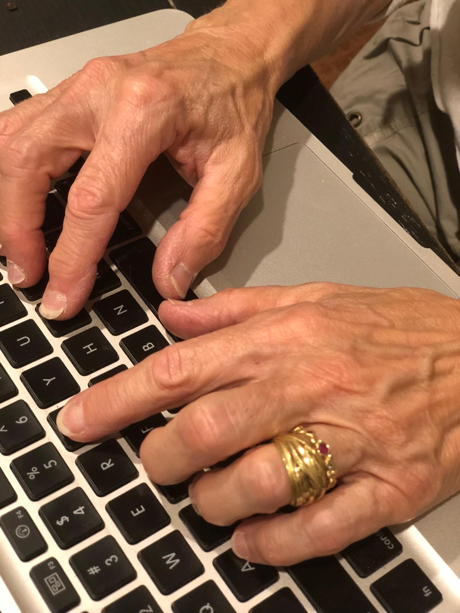 typinghands.jpg