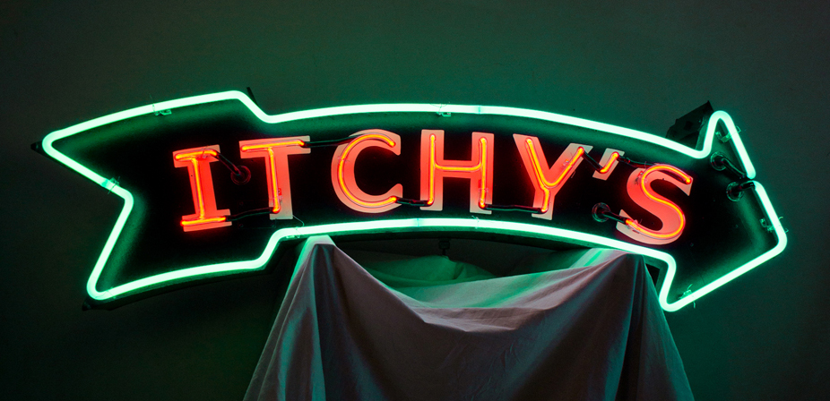 Itchy's studio shot. Re-purposed old school neon sign can.