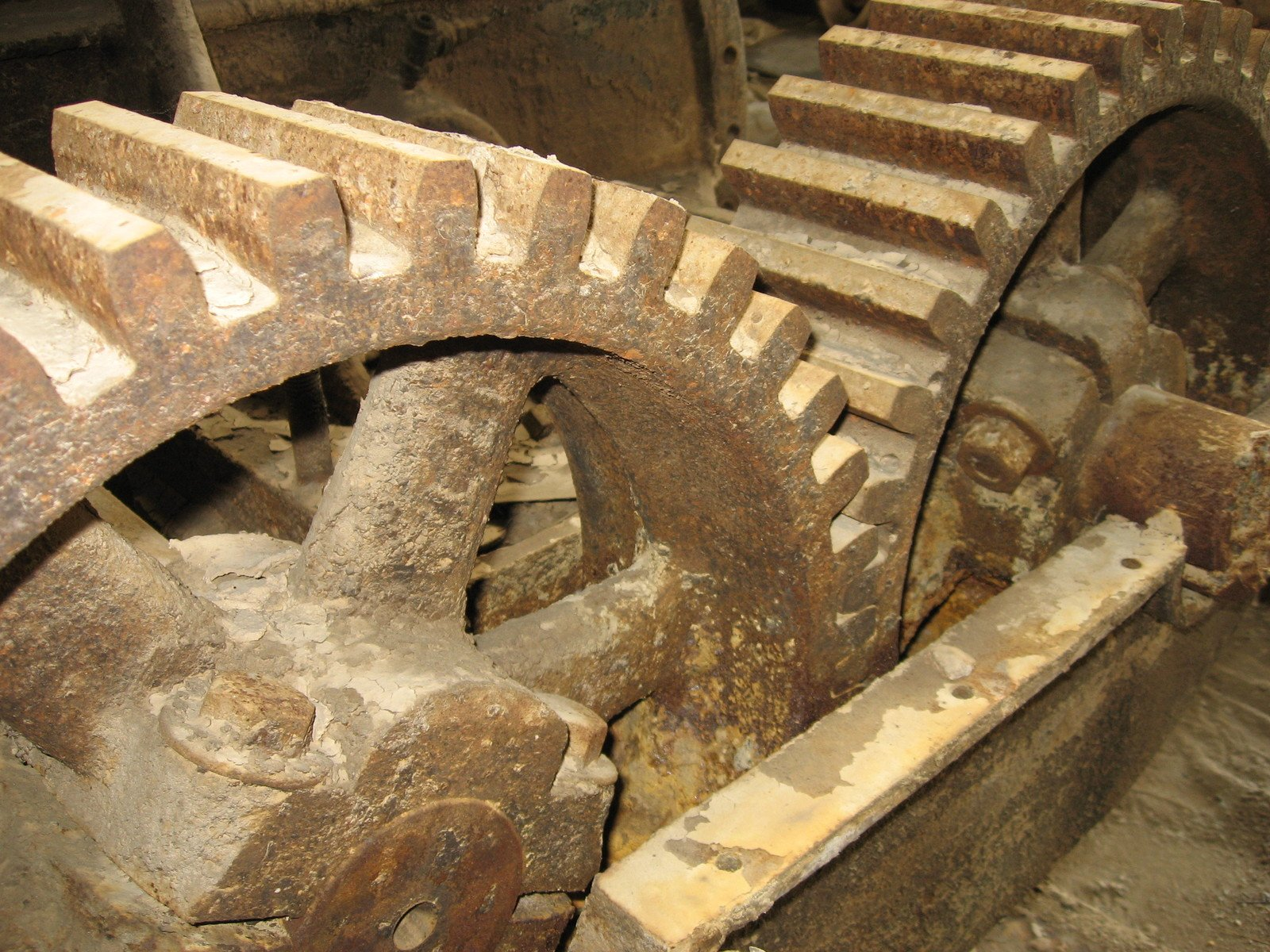 old-mechanical-gear-1229384.jpg