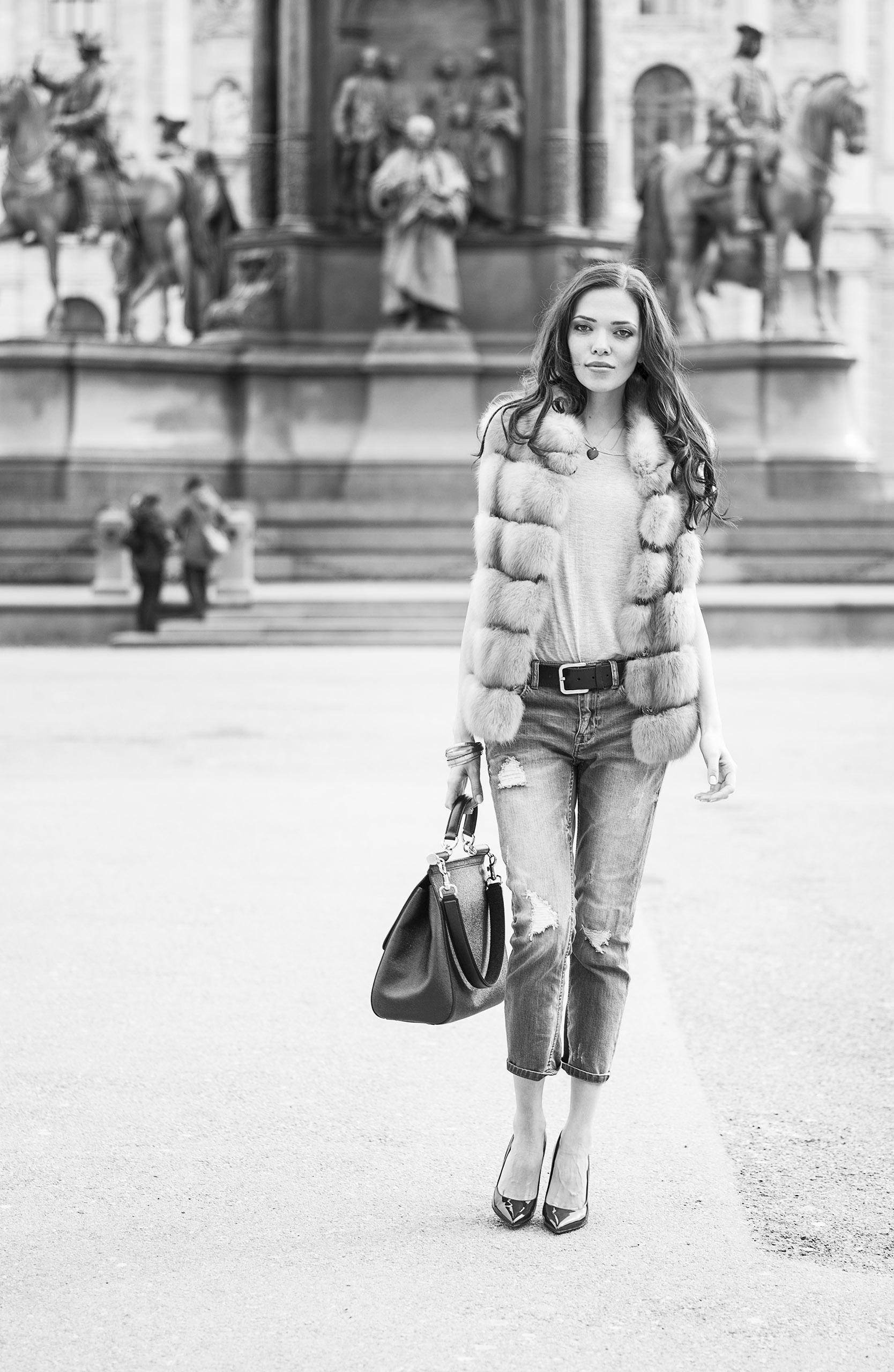 Model:  Alena Tsar