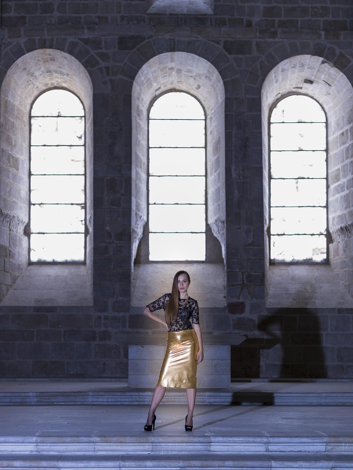 Olga at Monasterio de Rueda H5D