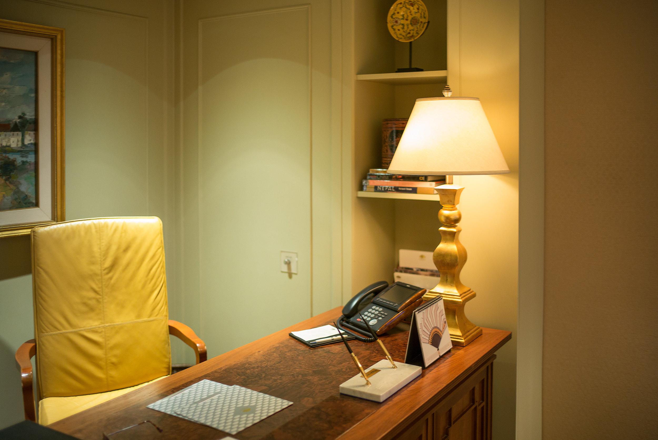 Schreibtisch der Ortago Suite im Mandarin Oriental Bangkok