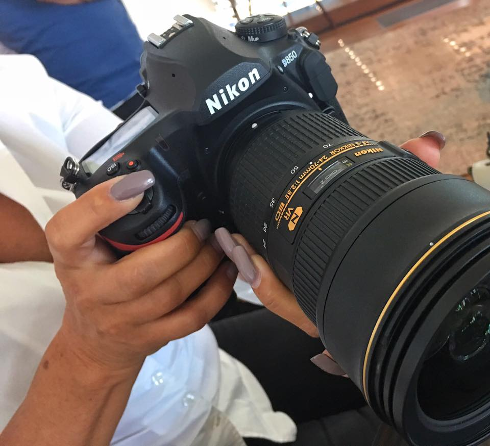 NIKON D850 - Full Frame Hands ON