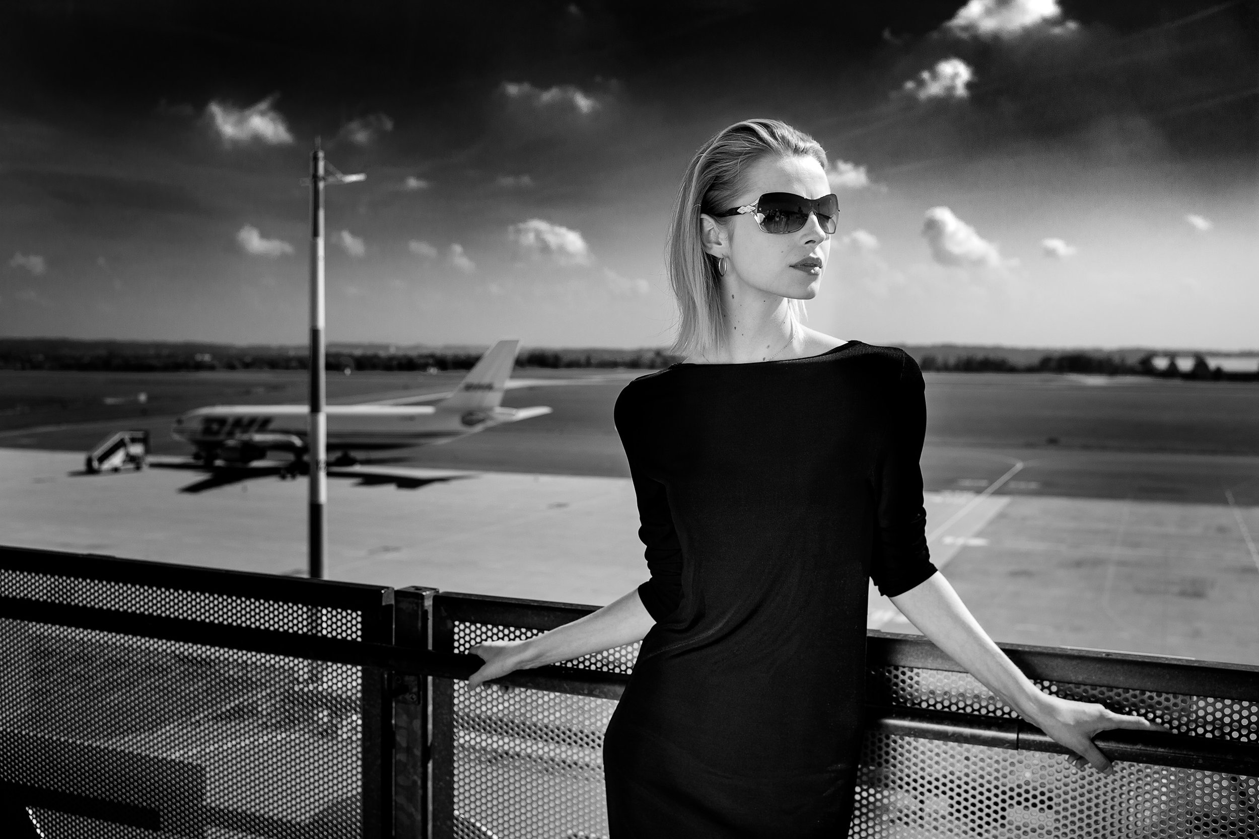 Anna S. (Visage Models) am Blue Danube Airport Linz by Eric Berger / Leica M10-P