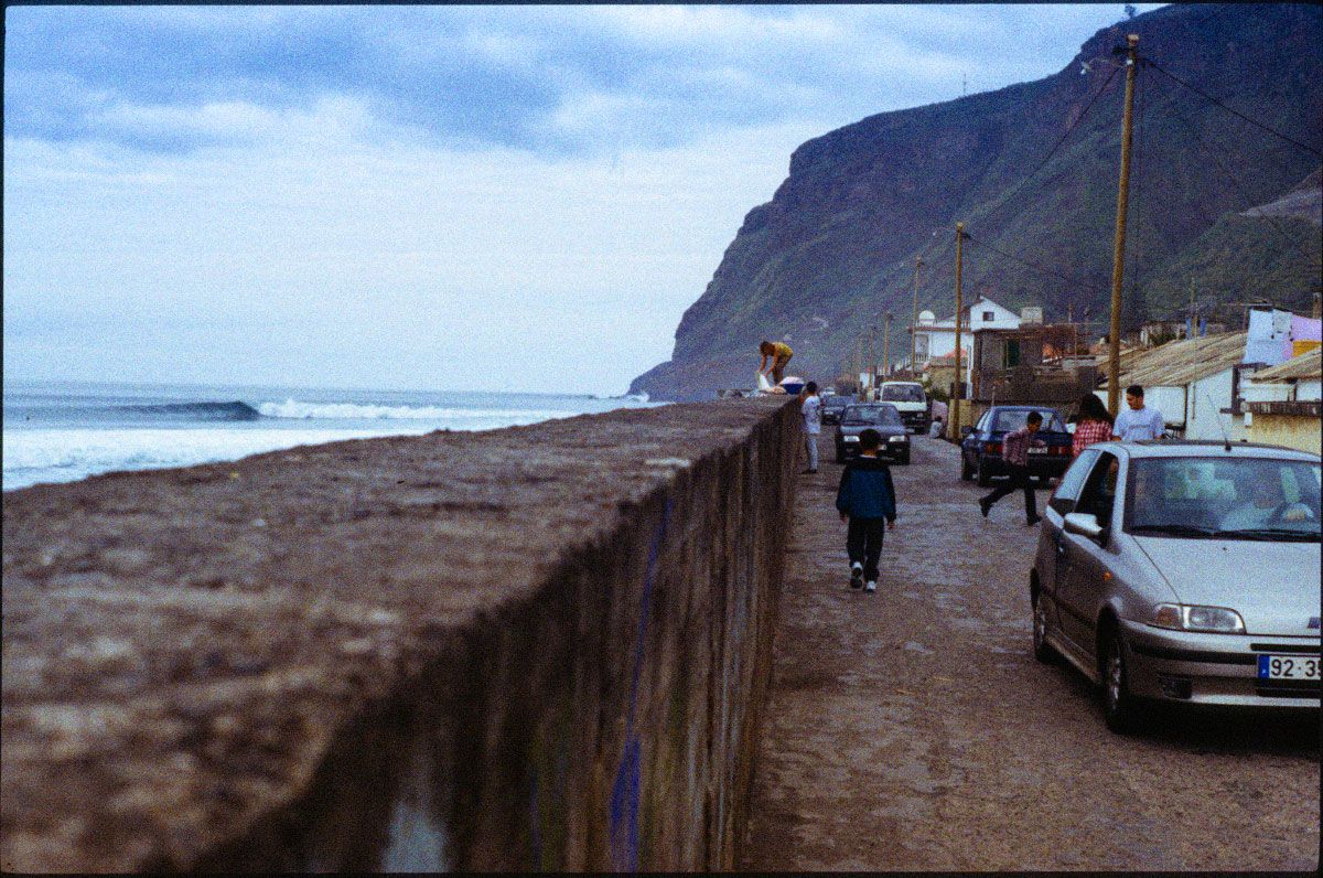 Life in Paul do Mar is generally oblivious to the surf conditions right over the wall.