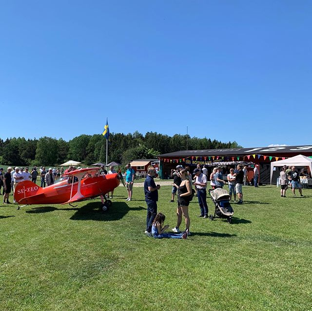 Such a fun day at the yearly #flyin of our home airfield. 🛬🌞😎🛫 Got to be air traffic controller reeling all these cool airplanes in & finished by taking @chughta1, the drone pilot wizard up for his first flight 🙌