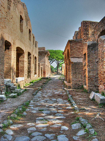 360px-Ostia_Antica-strada01-modified.jpg