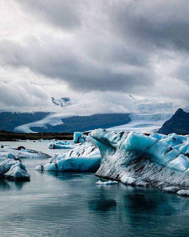 • Jökulsárlón Glacier Lagoon