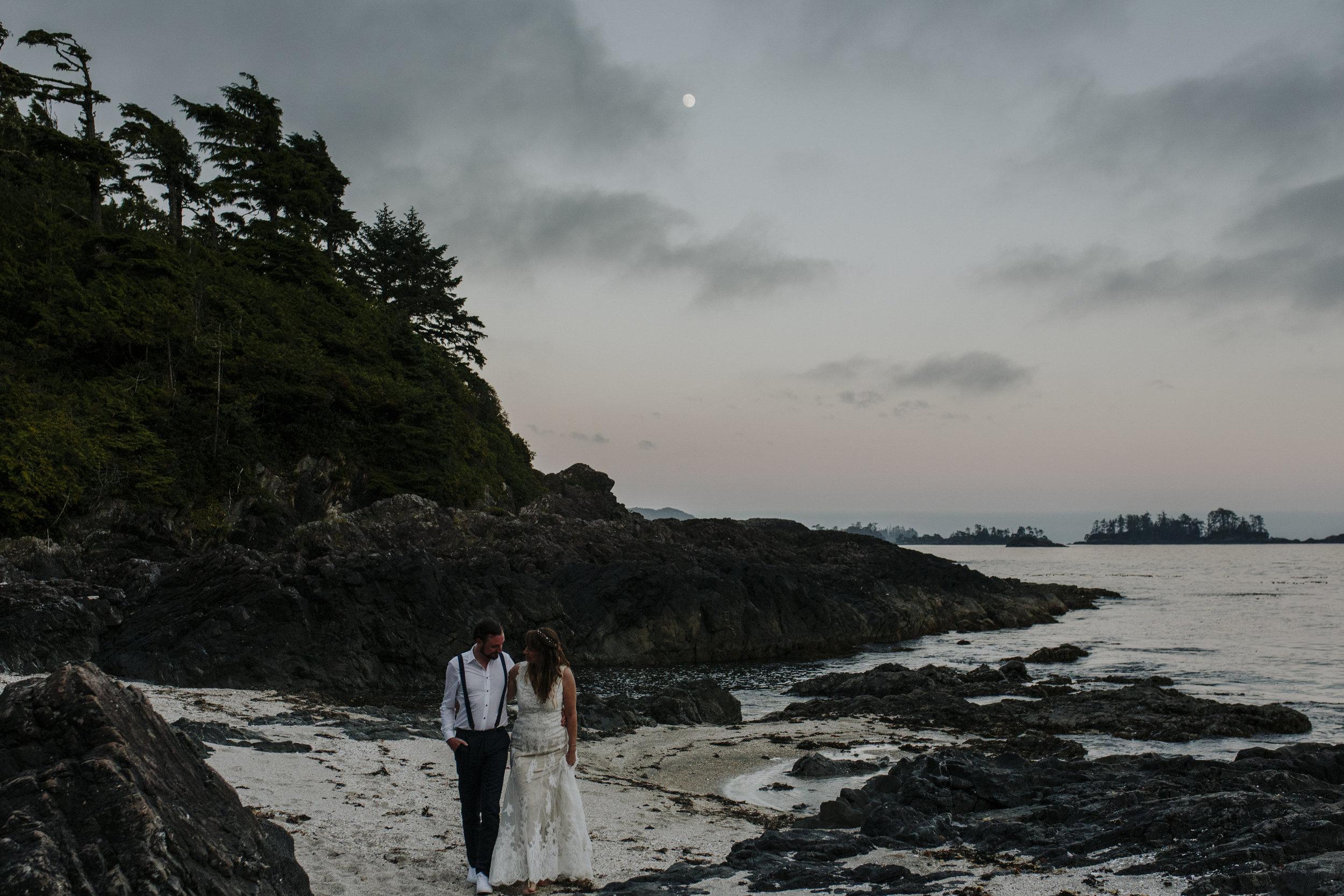 wickaninnish inn beach wedding tofino sunset portraits of couple