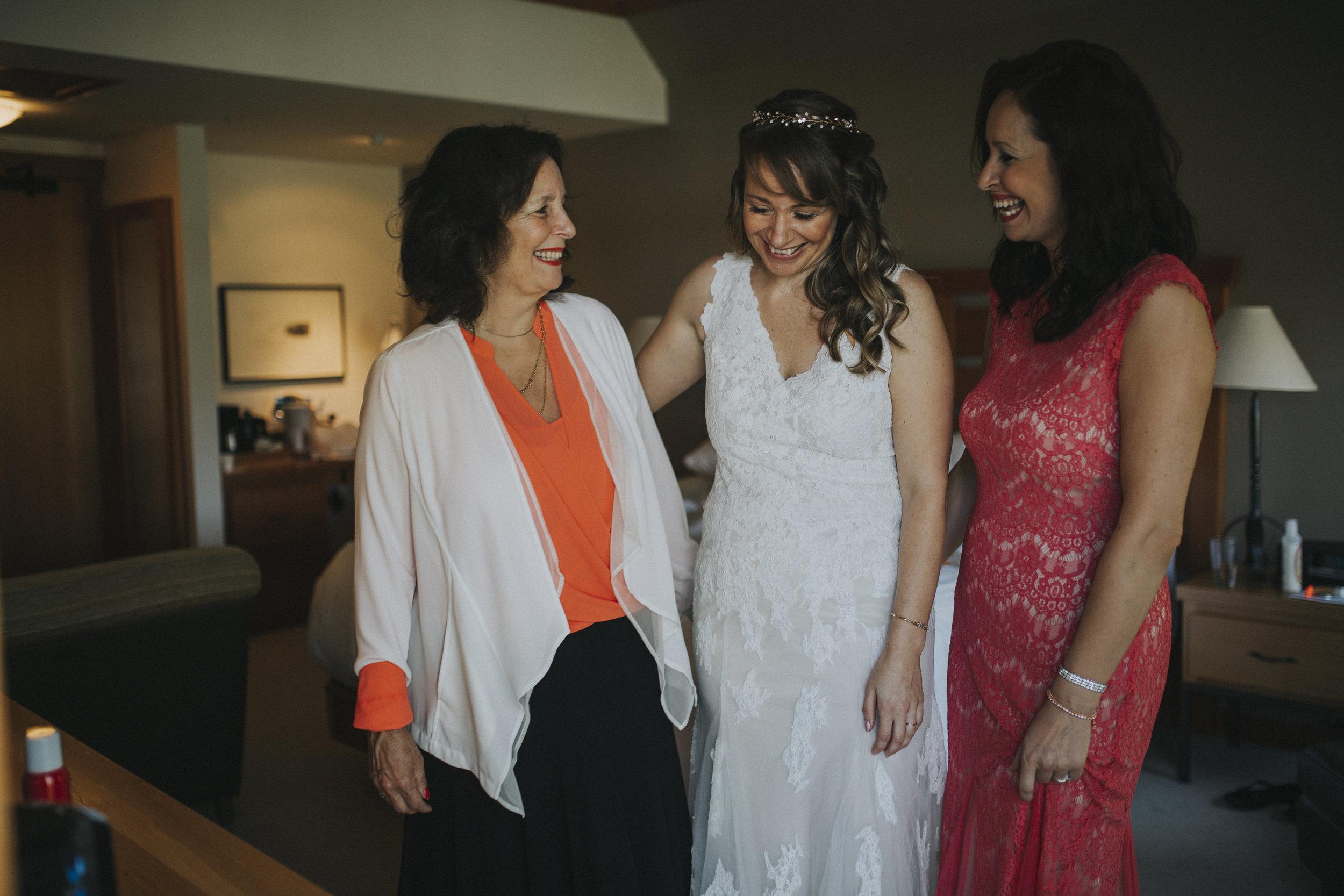 mother daughter bride get ready wickaninnish inn tofino wedding