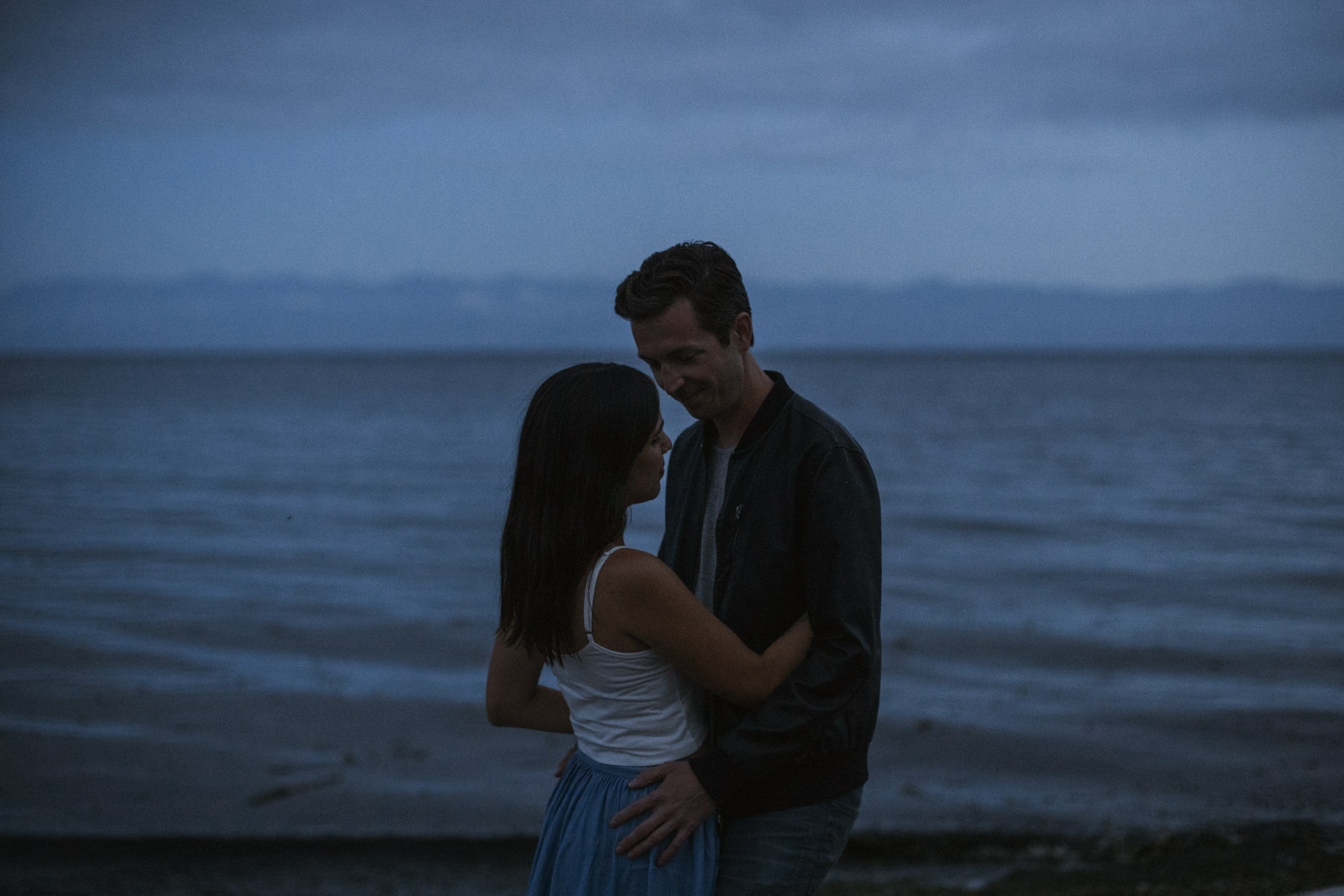beach Blue Hour - astrophotography engagement session vancouver island-16.jpg