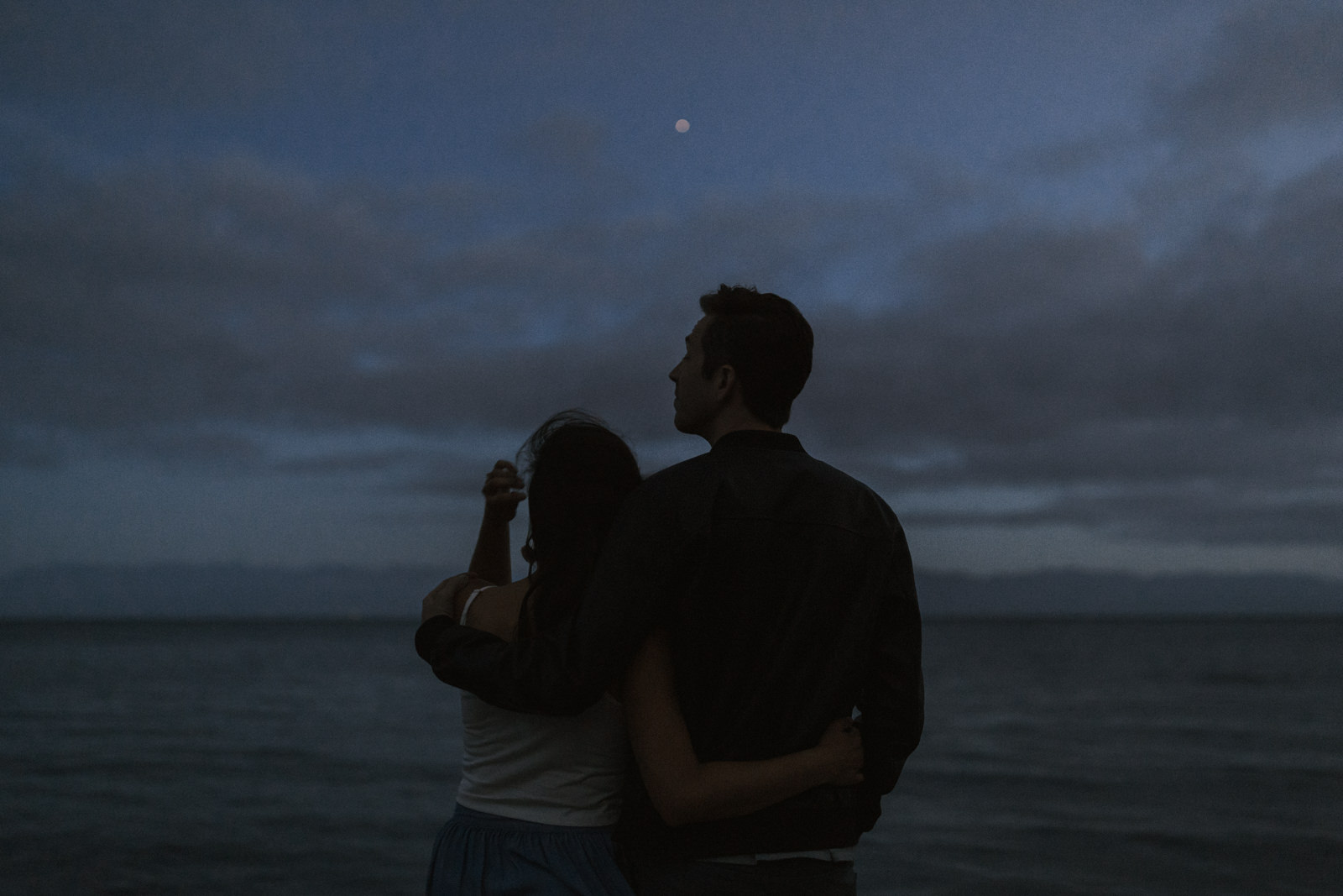 beach Blue Hour - astrophotography engagement session vancouver island-41.jpg