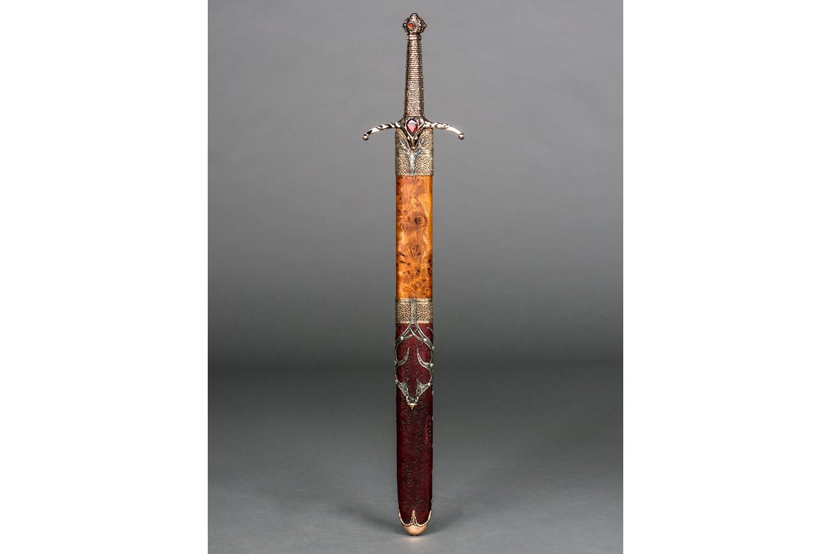 MGoT_swords_widows_wail_1_1200x800.jpg
