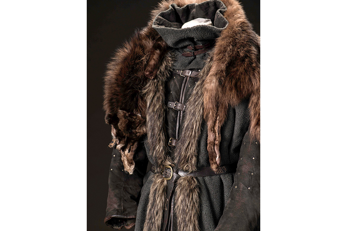 mgot_bran_costumes_01_1200x800.jpg