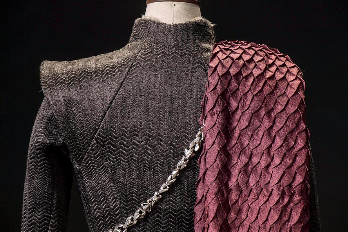 mgot_daenerys_costumes_slideshow_03_1200x800.jpg