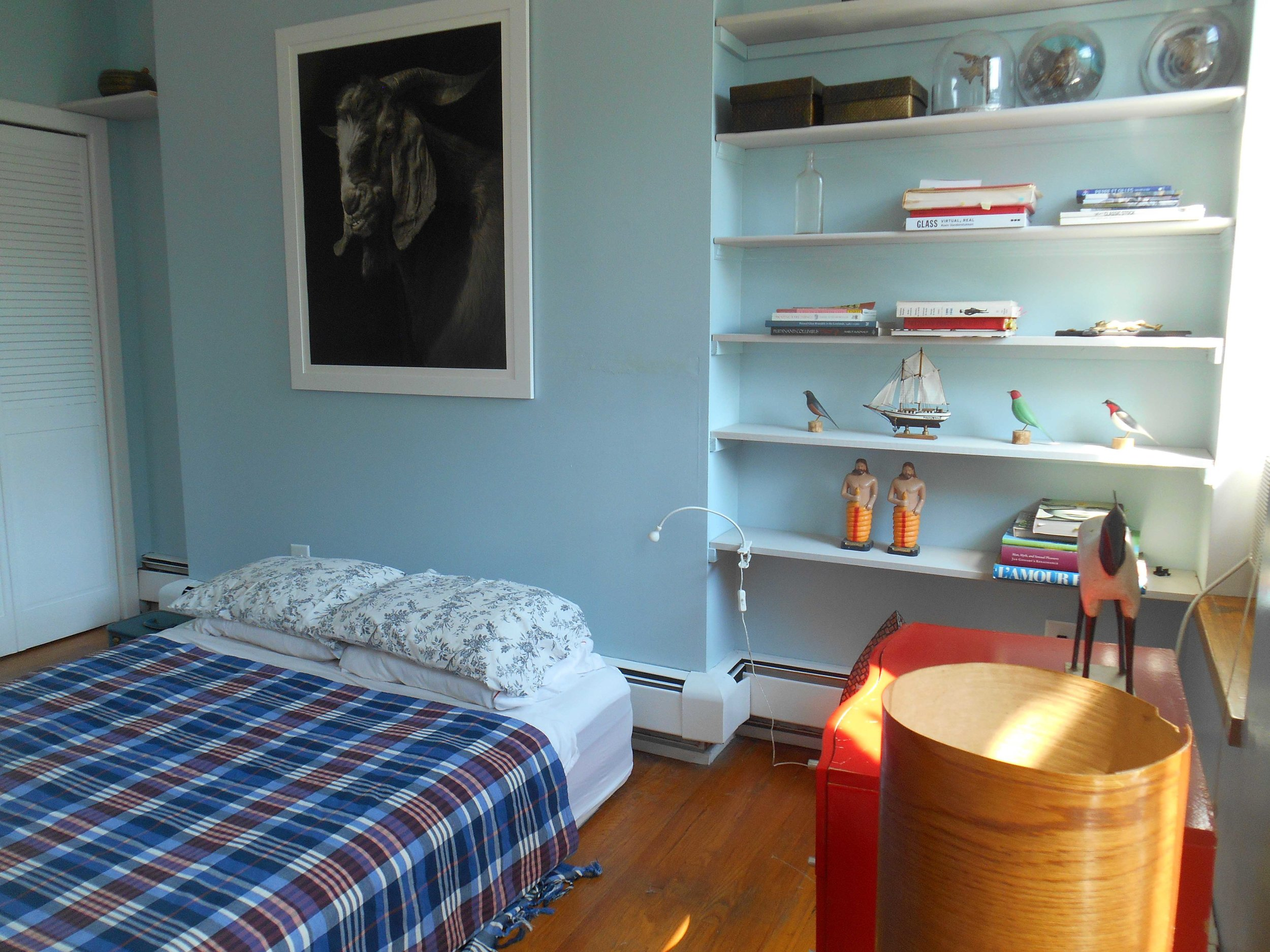 k LR 216 bedroom 2.jpg