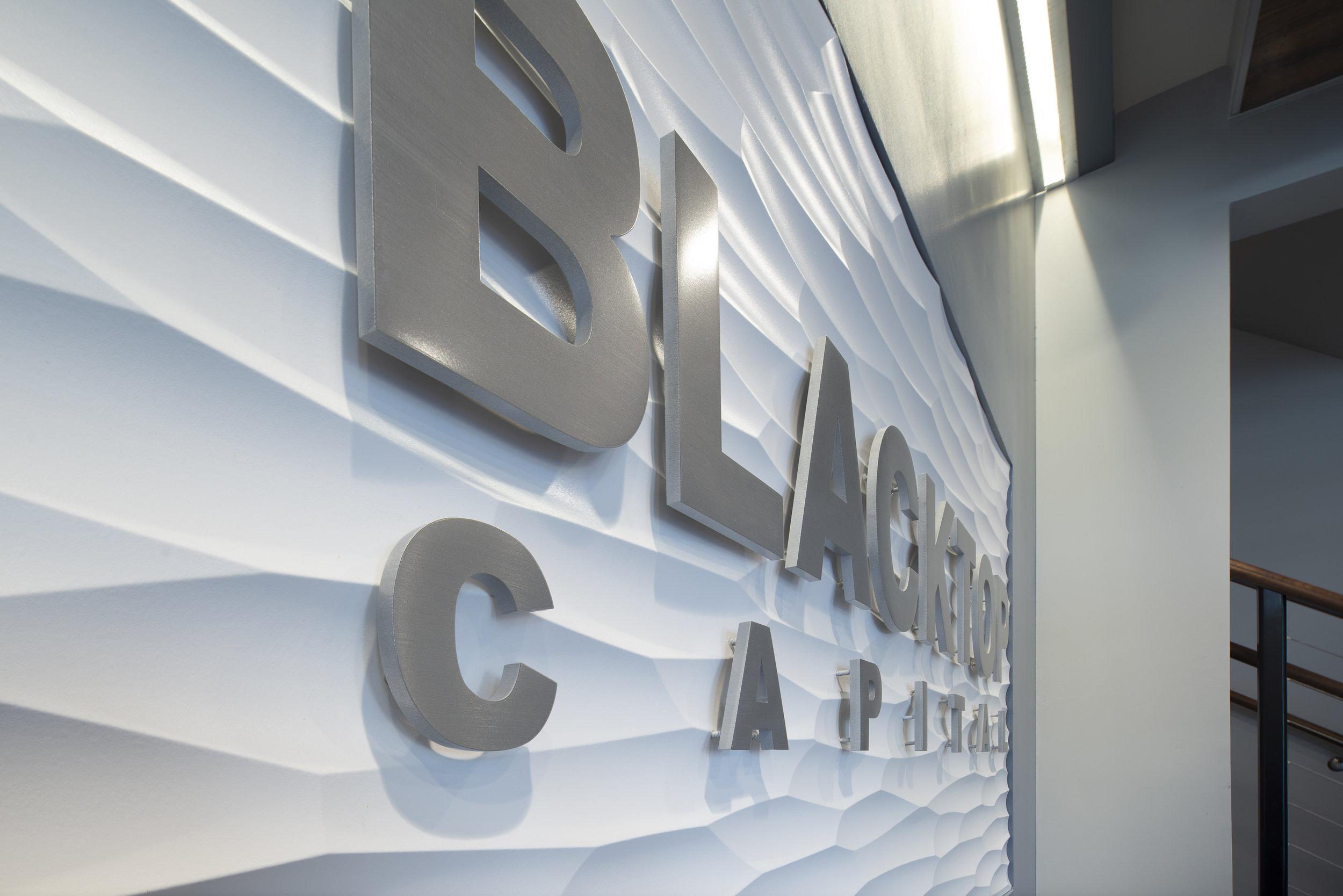 blacktop 3form