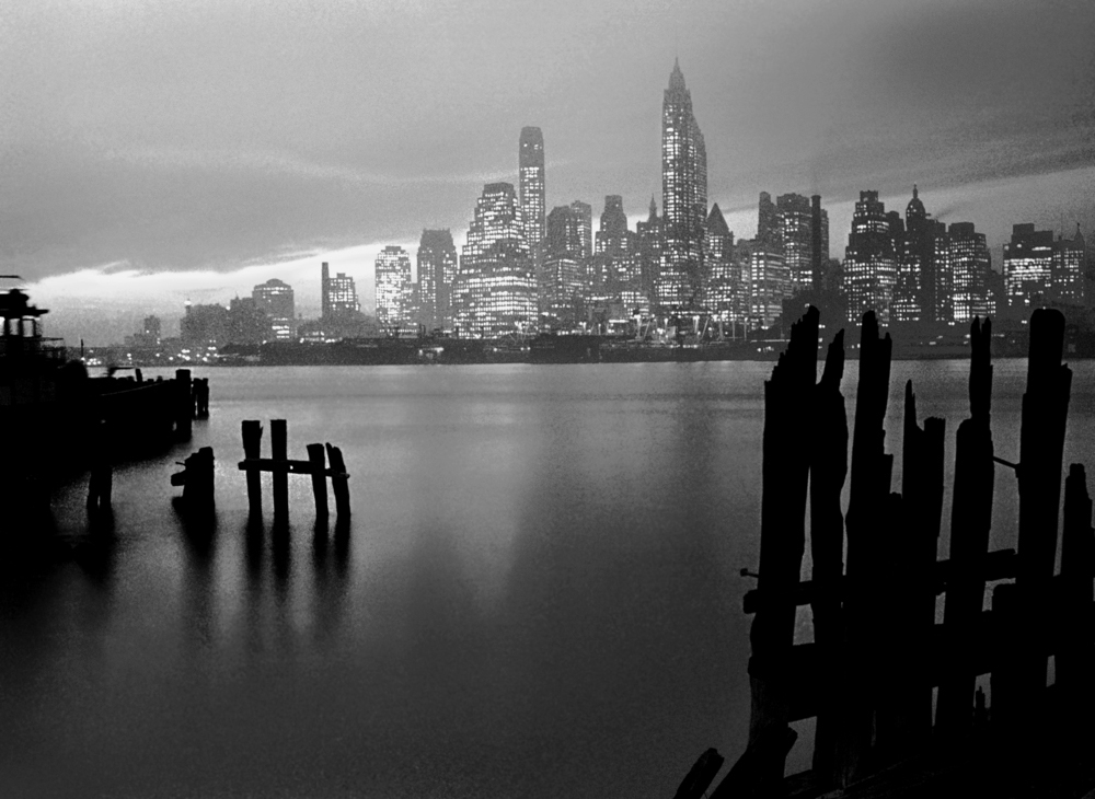 Manhattan Skyline, NY 1946 by Fred Stein.jpg