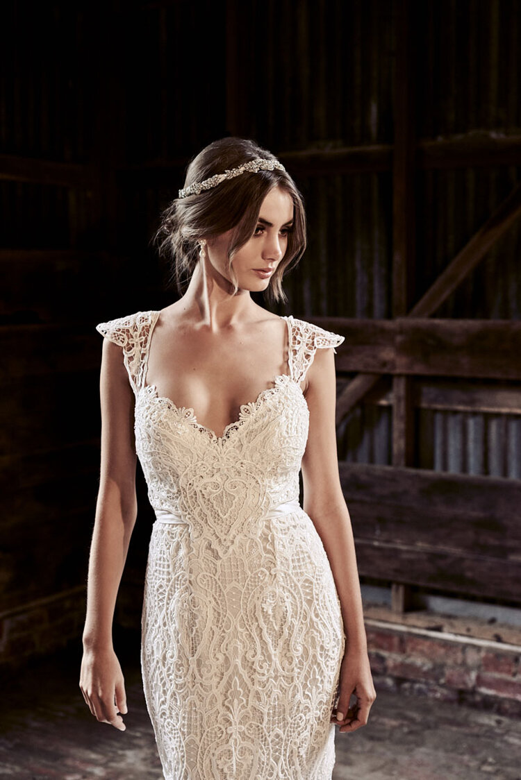 Eleanor A Line Lace Anna Campbell The Bridal Atelier 01.jpg