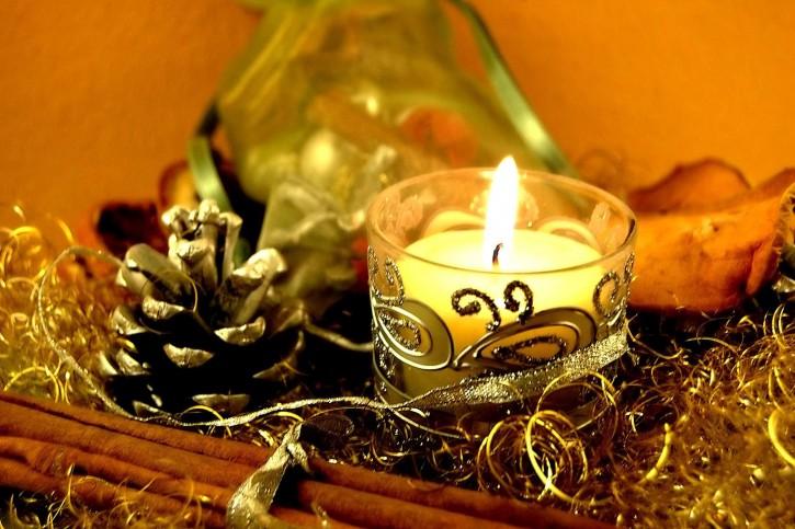 christmas-time-christmas-celebration_w725_h483-1.jpg