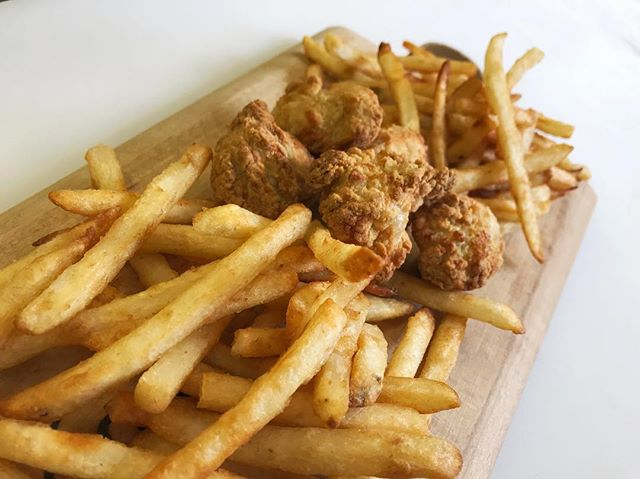 New Boneless wings and fries!  Try them or one of our other new appetizers today! #thejunctionpizza #friedfood #mtpleasantpa #bonelesswings #beerbatteredfries #airfryer #yummy #scottdalepa #greensburgpa