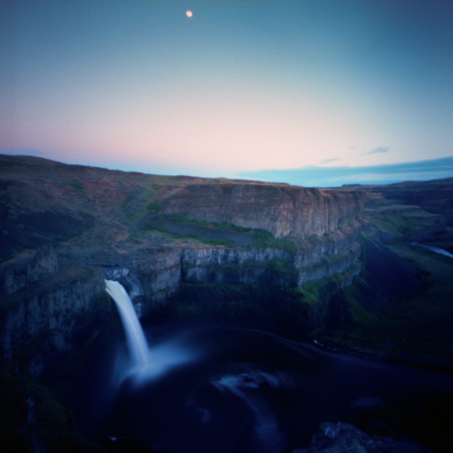 Moonfall at the Palouse