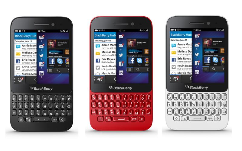 Blackberry Q5: Black-Red and White