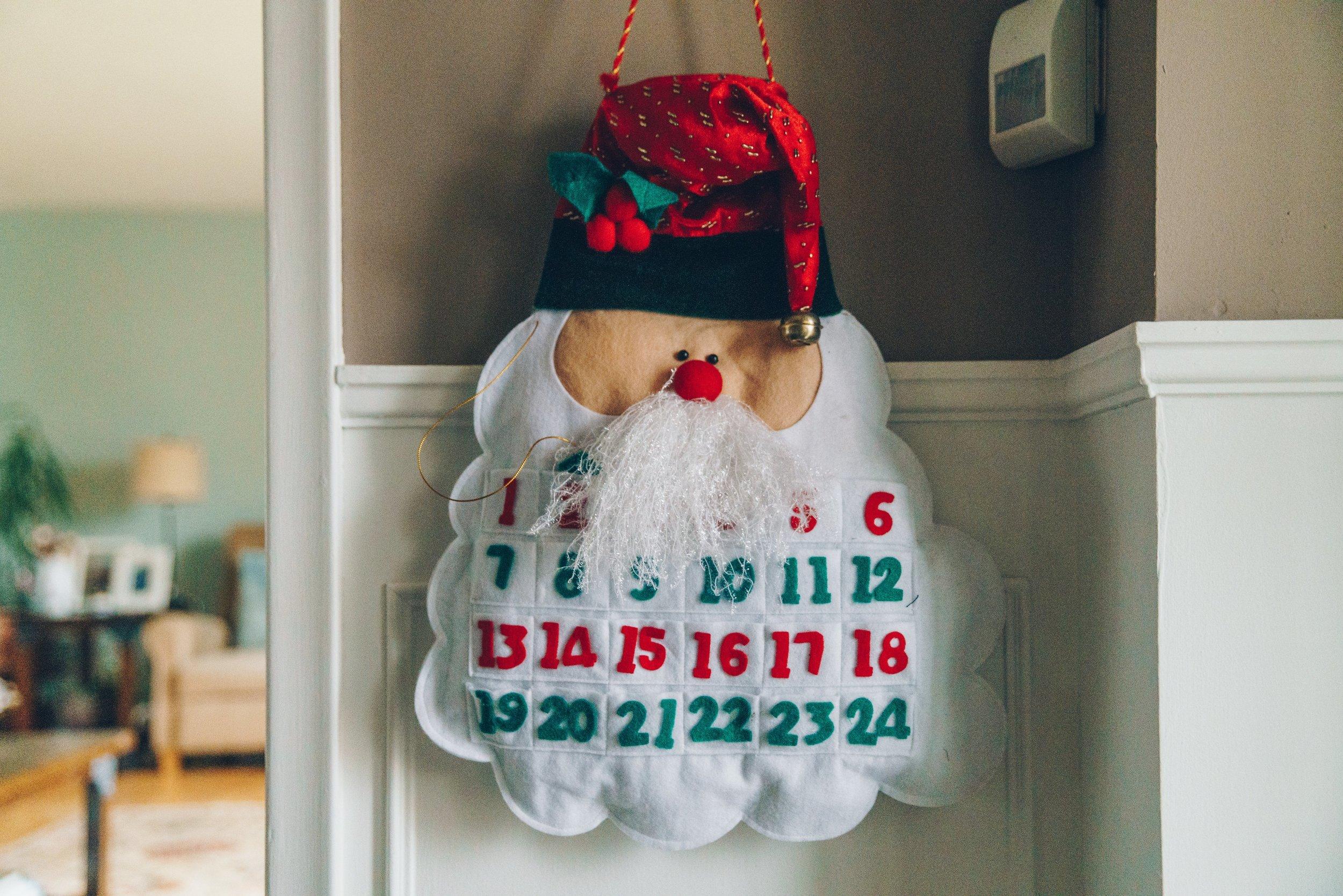 soft-santa-christmas-countdown_4460x4460.jpg