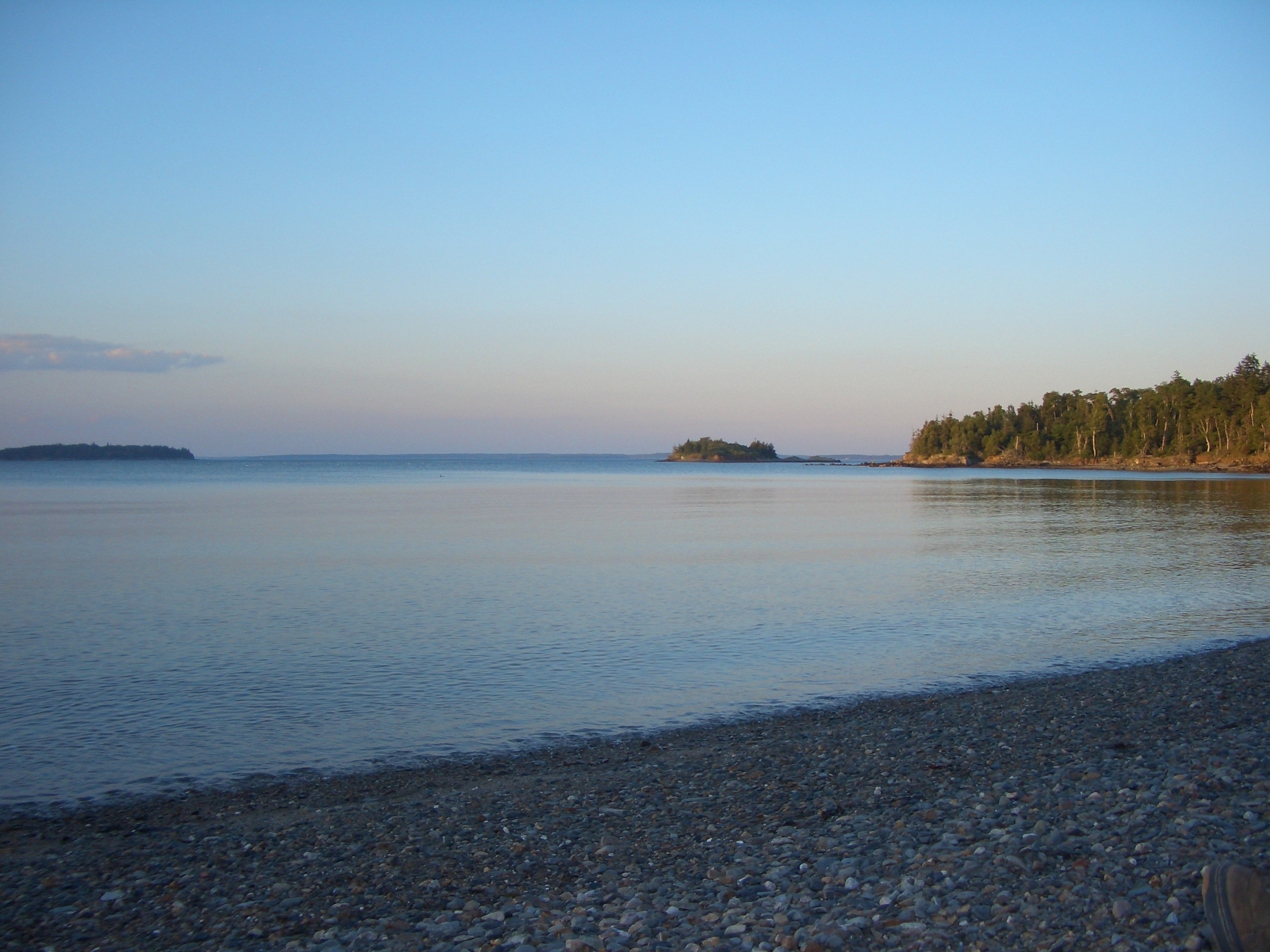 Bring your kayak and explore Penobscot Bay. There is nothing like paddling into the many small coves or sliding up onto a deserted beach on one of the many surrounding, uninhabited islands.