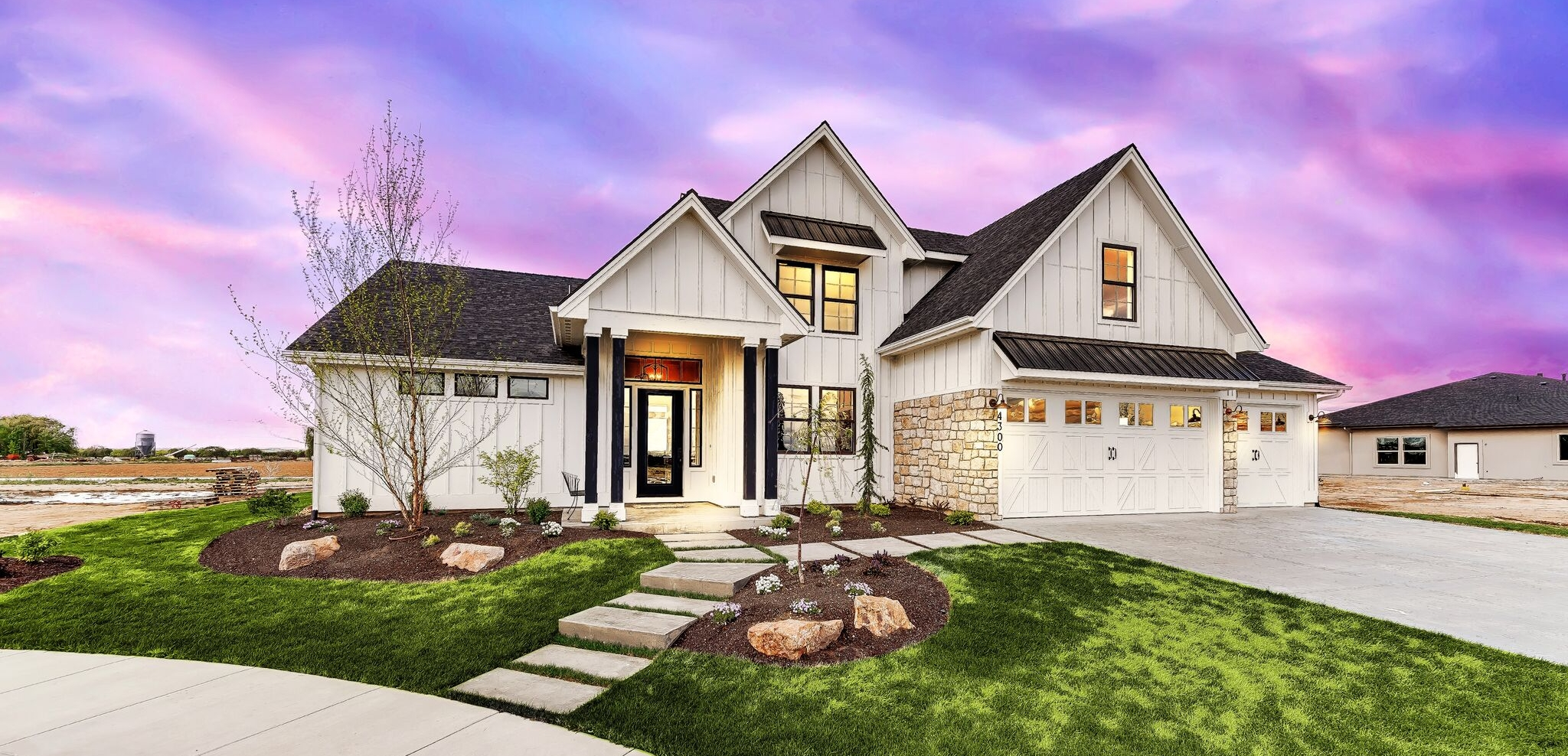 001_Front of Home1.jpg