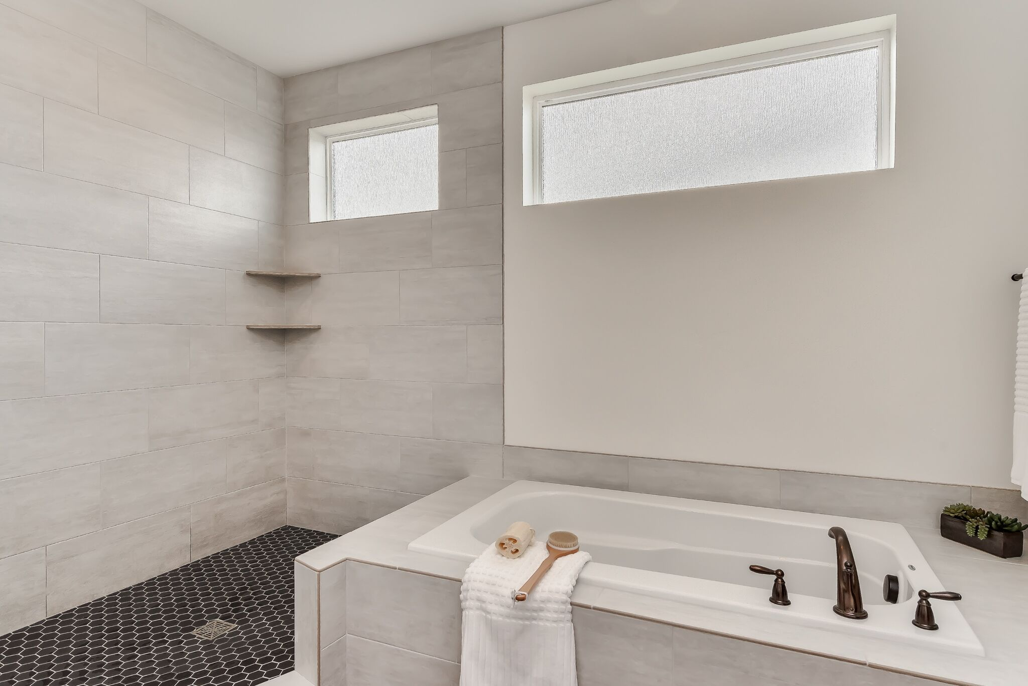 030_Master Bathroom.jpg