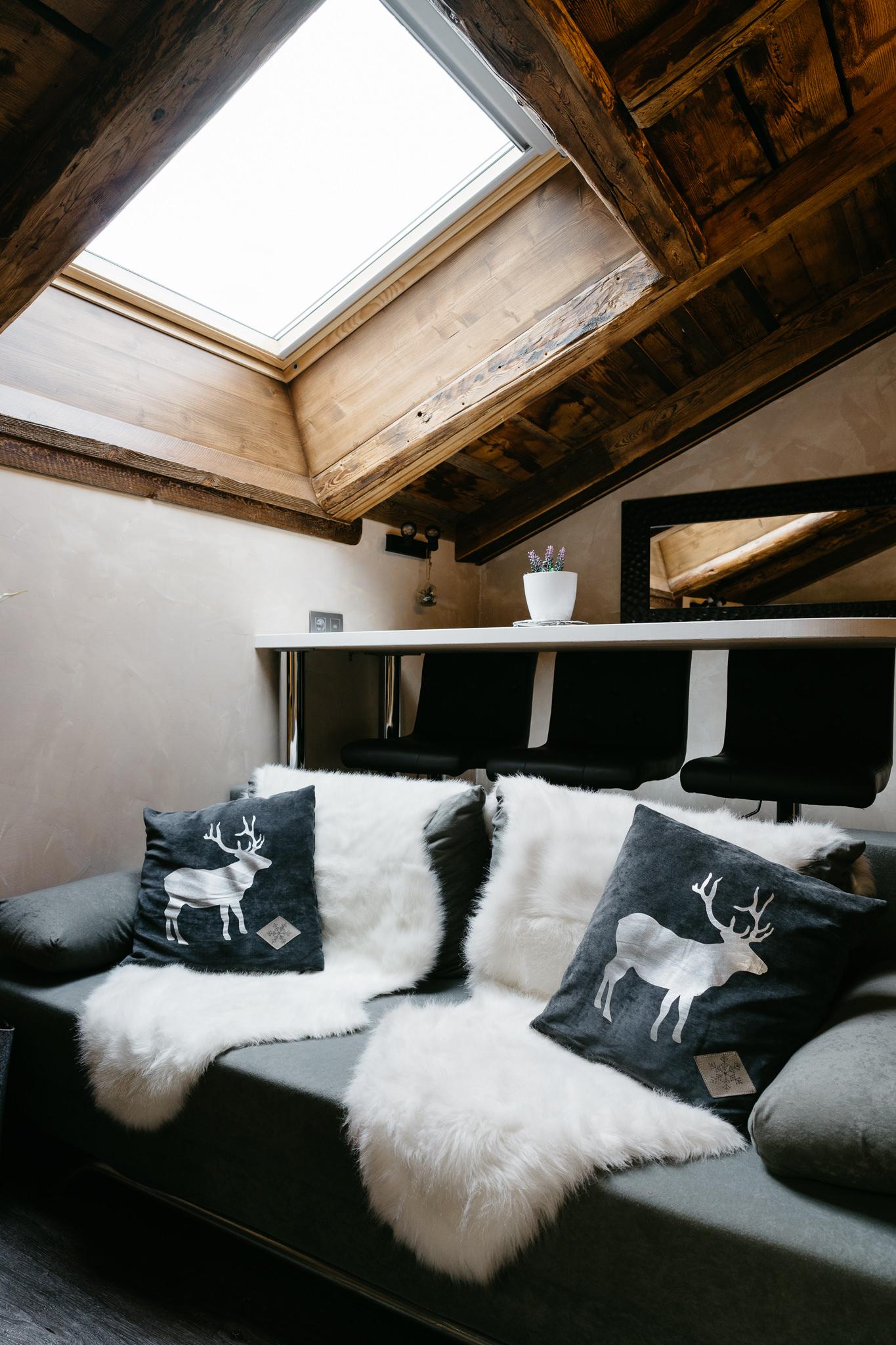 20170511-Chamonix-home-design-living-room.jpg