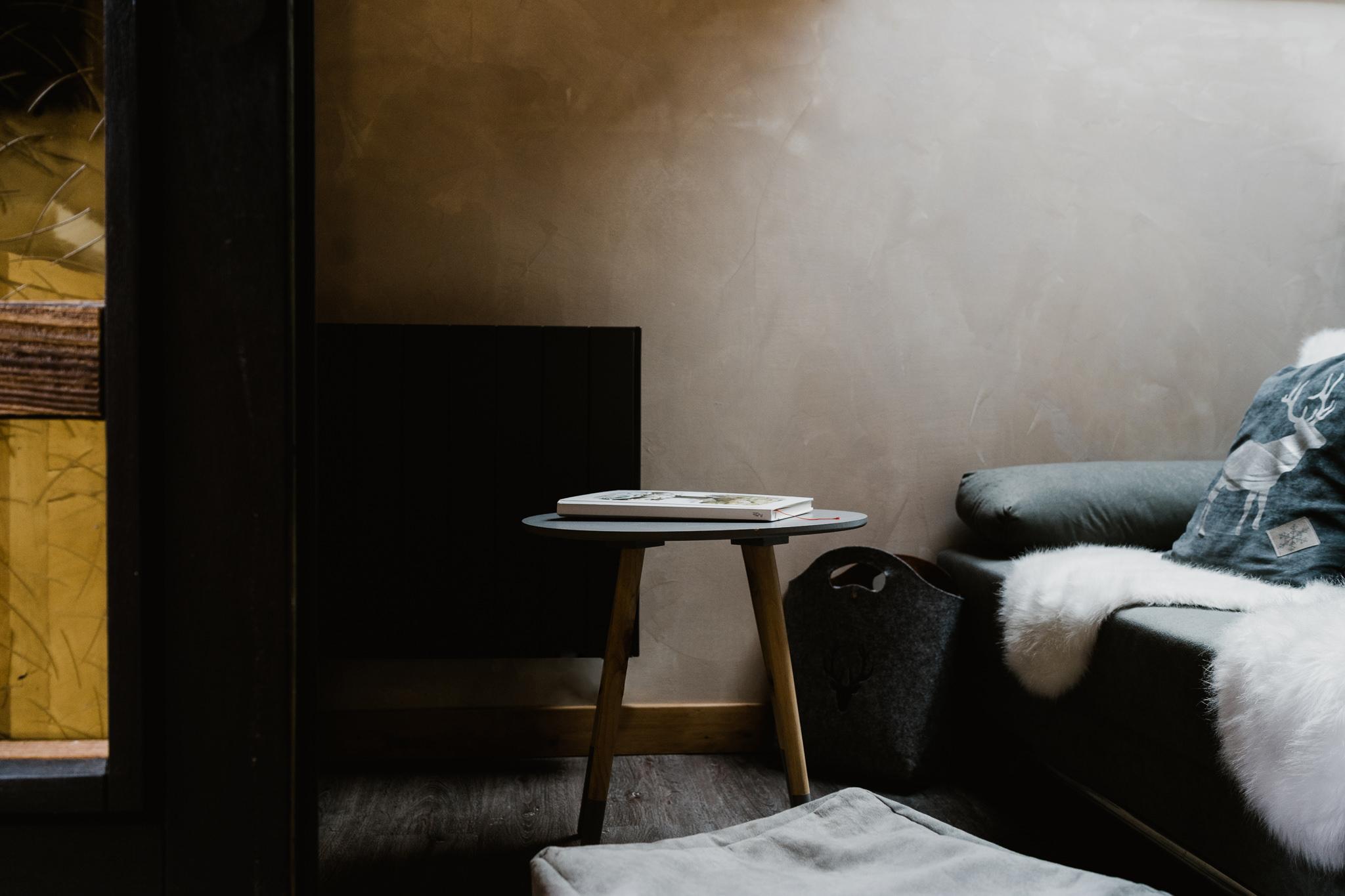 20170511-Chamonix-Airbnb-home-decor-living-room.jpg