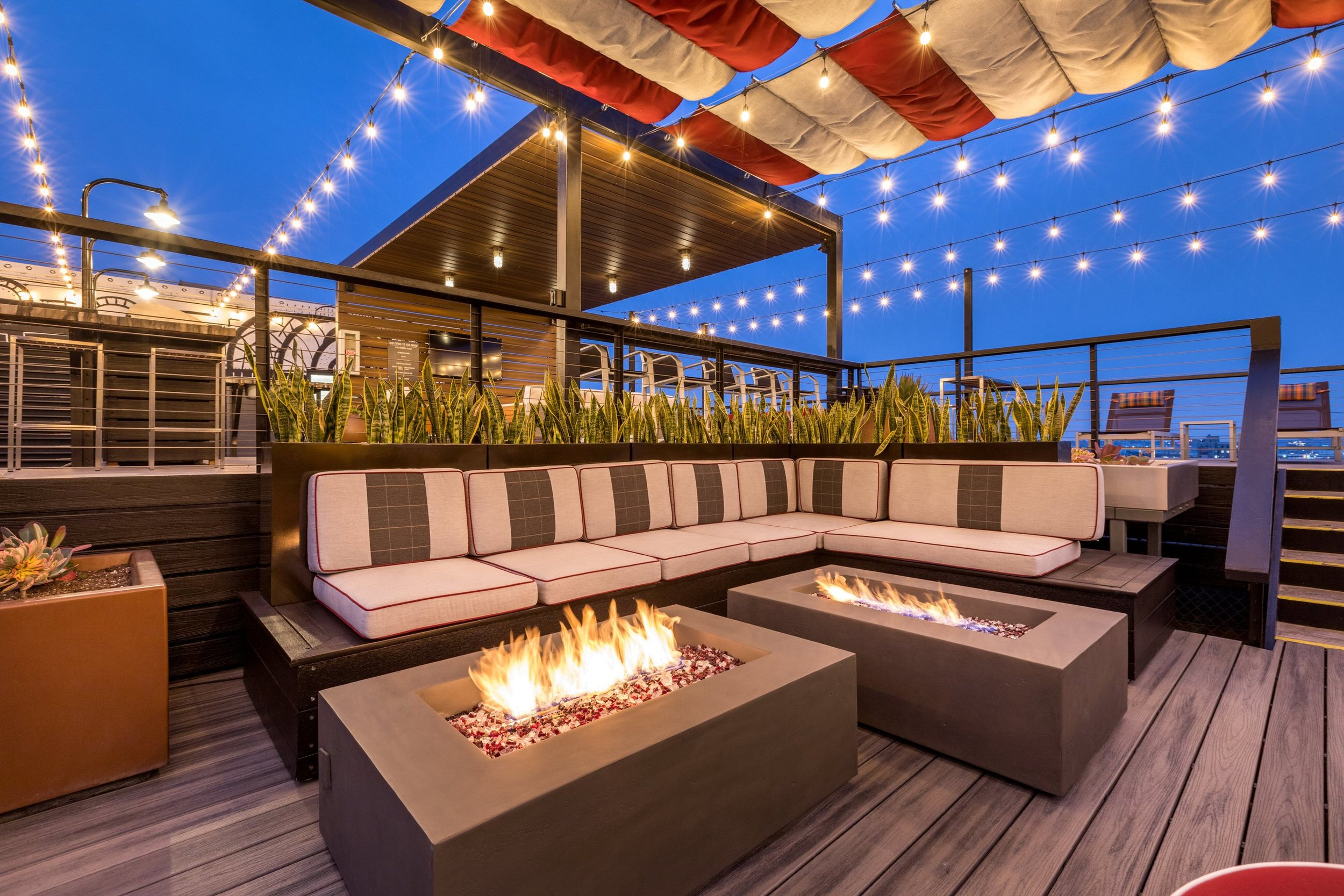 Rooftop Lounge Area at Santa Fe Lofts(2).jpg