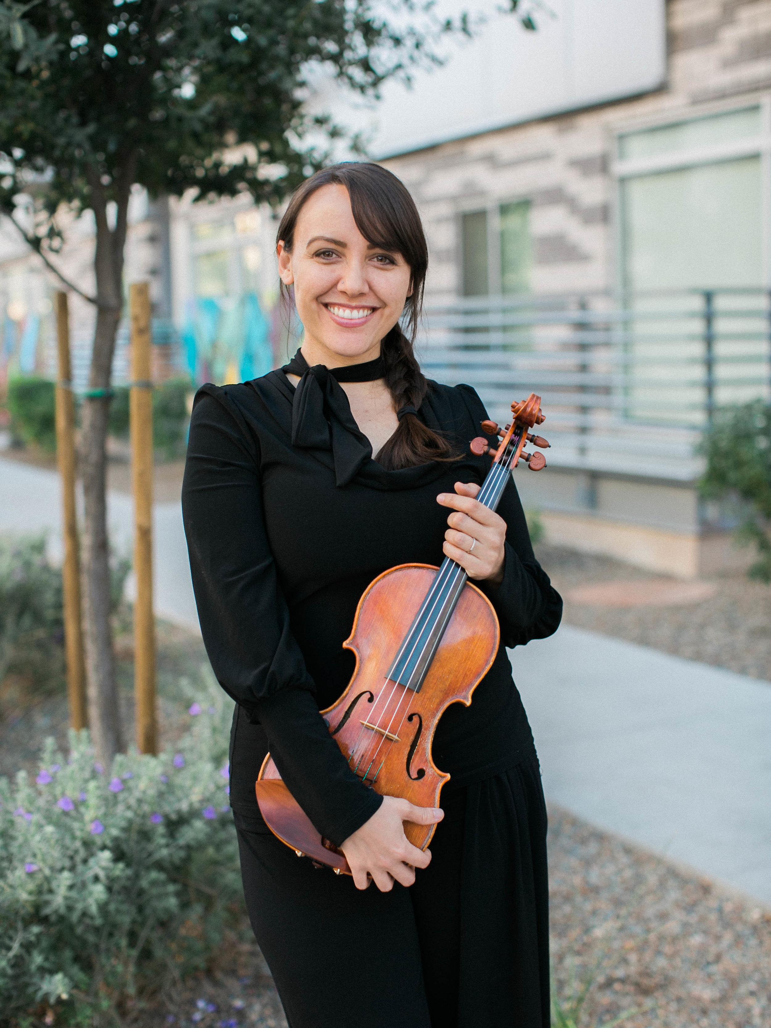 Chandra Susilo, Violin