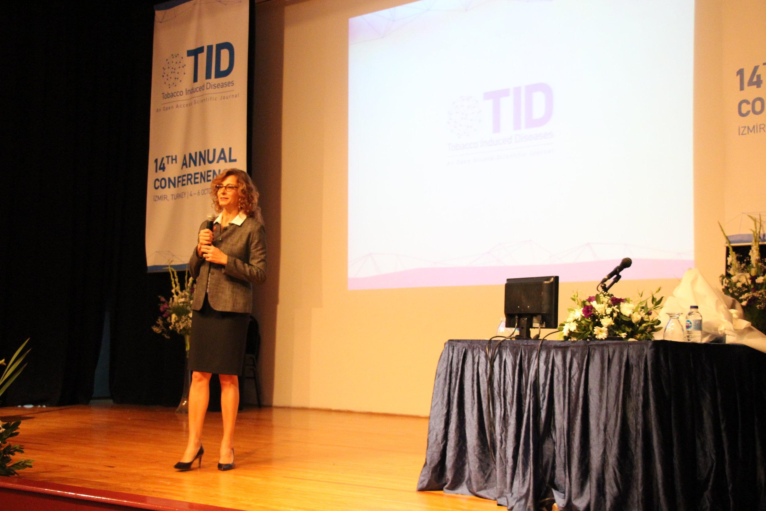 Ege Üniversitesi'nde ISPTID Kongresi Başladı-Prof. Dr. Nurcan Buduneli (2).JPG