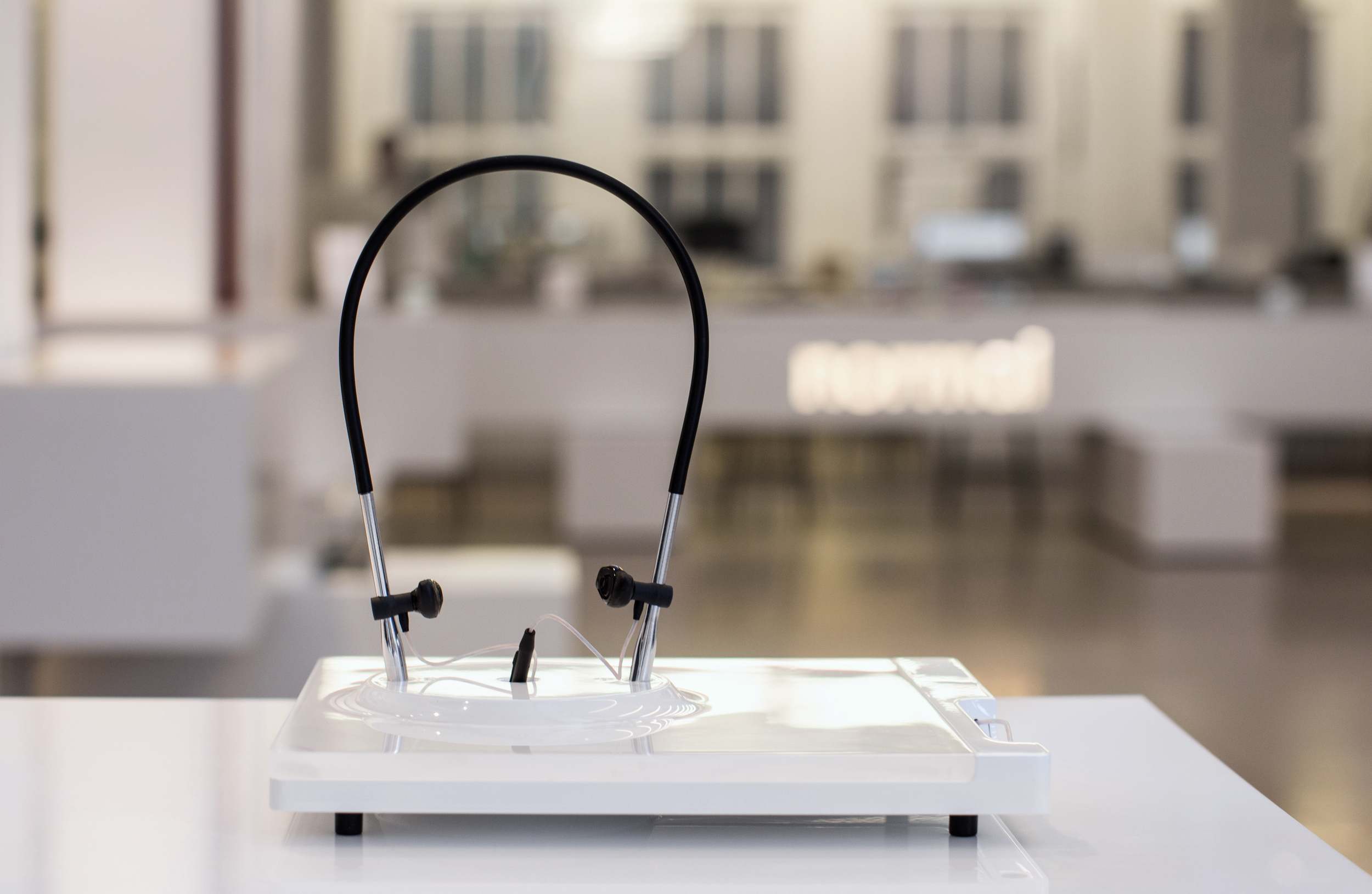 listening jig_instore-2.jpg