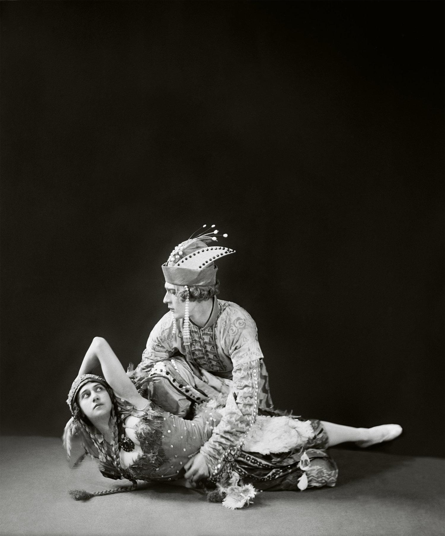 "Tamara Karsavina as the Firebird and Adolph Bolm as Ivan Tsarevich in ""L'Oiseau de Feu"" ('The Firebird'), London, 1911"