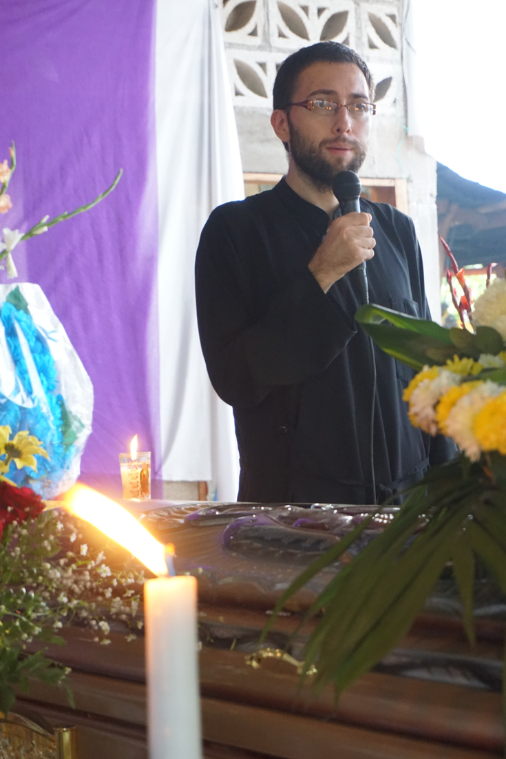 Preaching during Fr. Antonio's wake