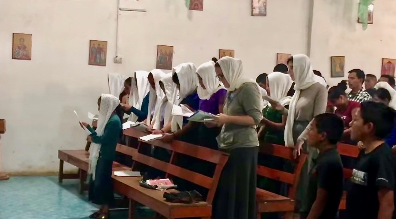 The choir in Aguacate leading the faithful