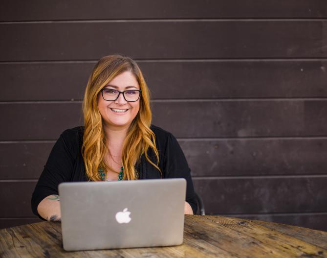 Shana Bull, Social Media Marketing Educator