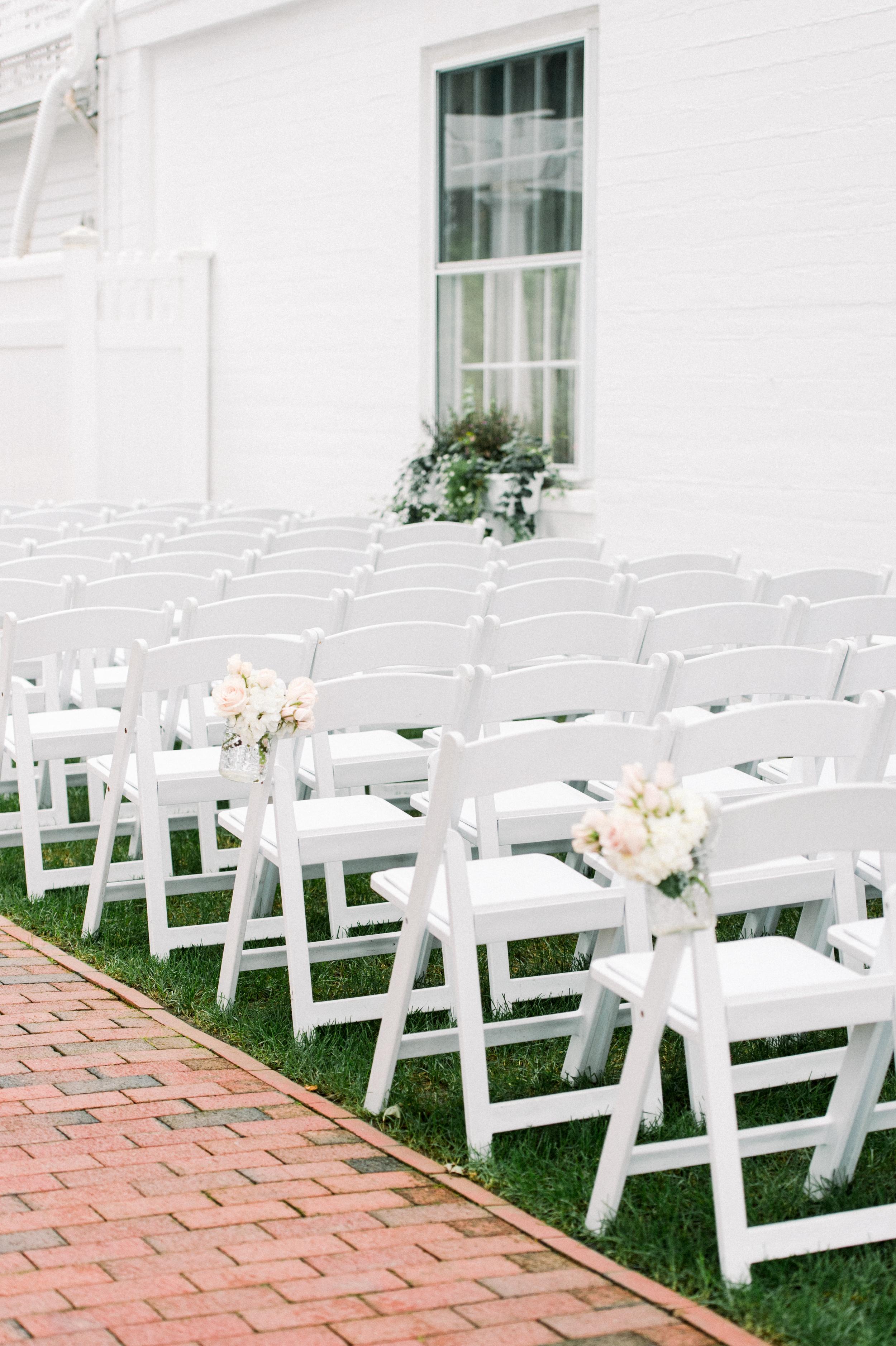 outdoor wedding ceremony | ceremony flowers | ceremony inspiration